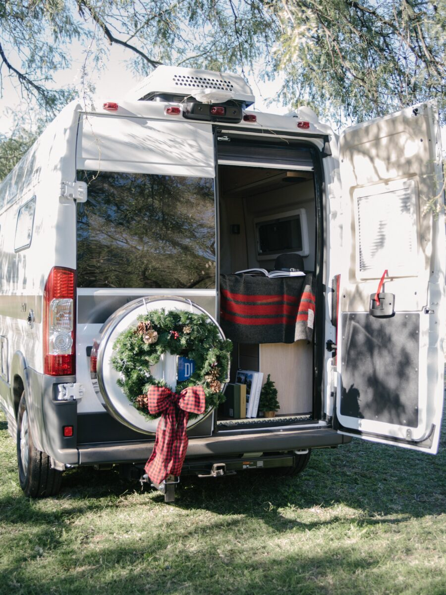 Decorate your RV with a Christmas wreath