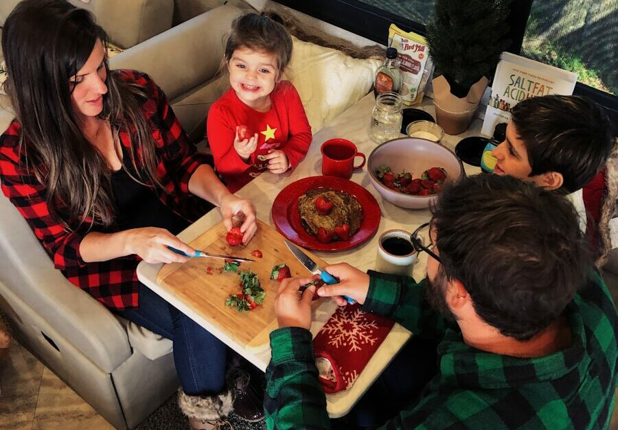Grinch Pancakes, Campfire Apple Dump Cake and More Kid Approved Holiday Treats