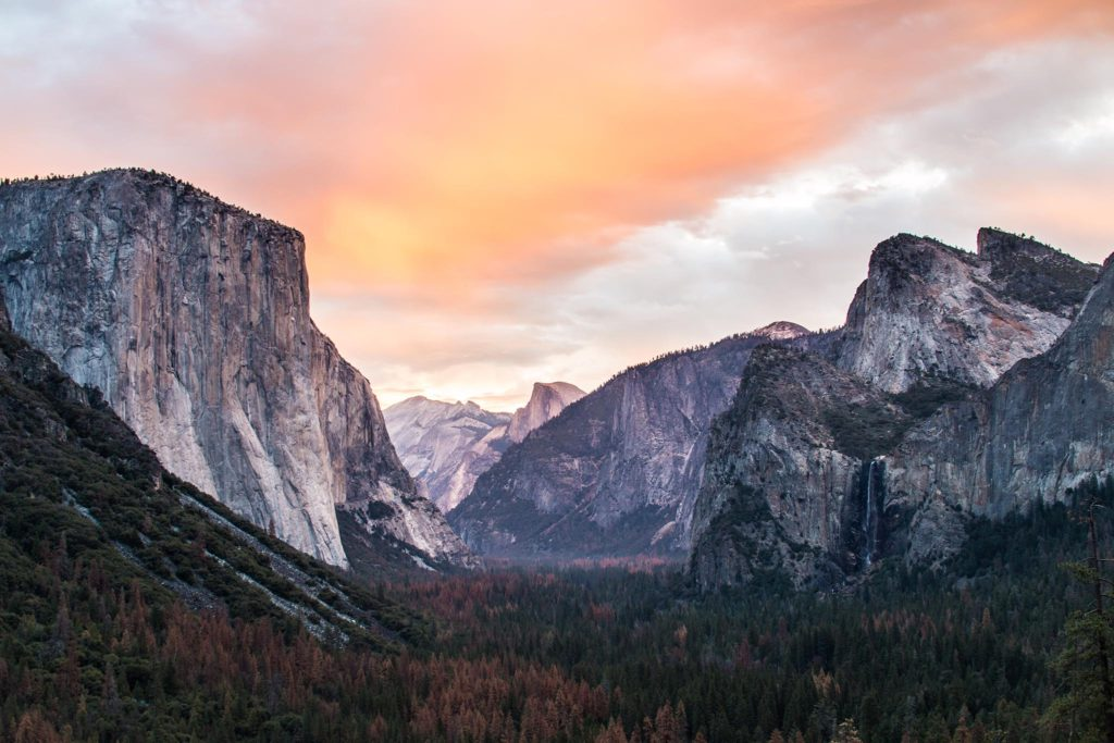 Yosemite Tunnel, Tuolumne Meadows, United States - La Mesa RV Top Travel Photos